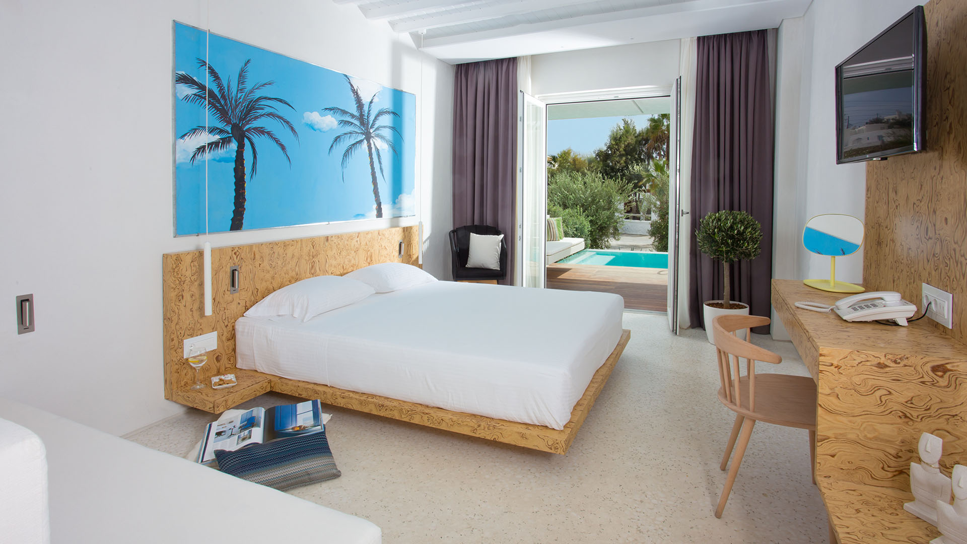 Greek Trails » Mykonos Dove Beach Hotel